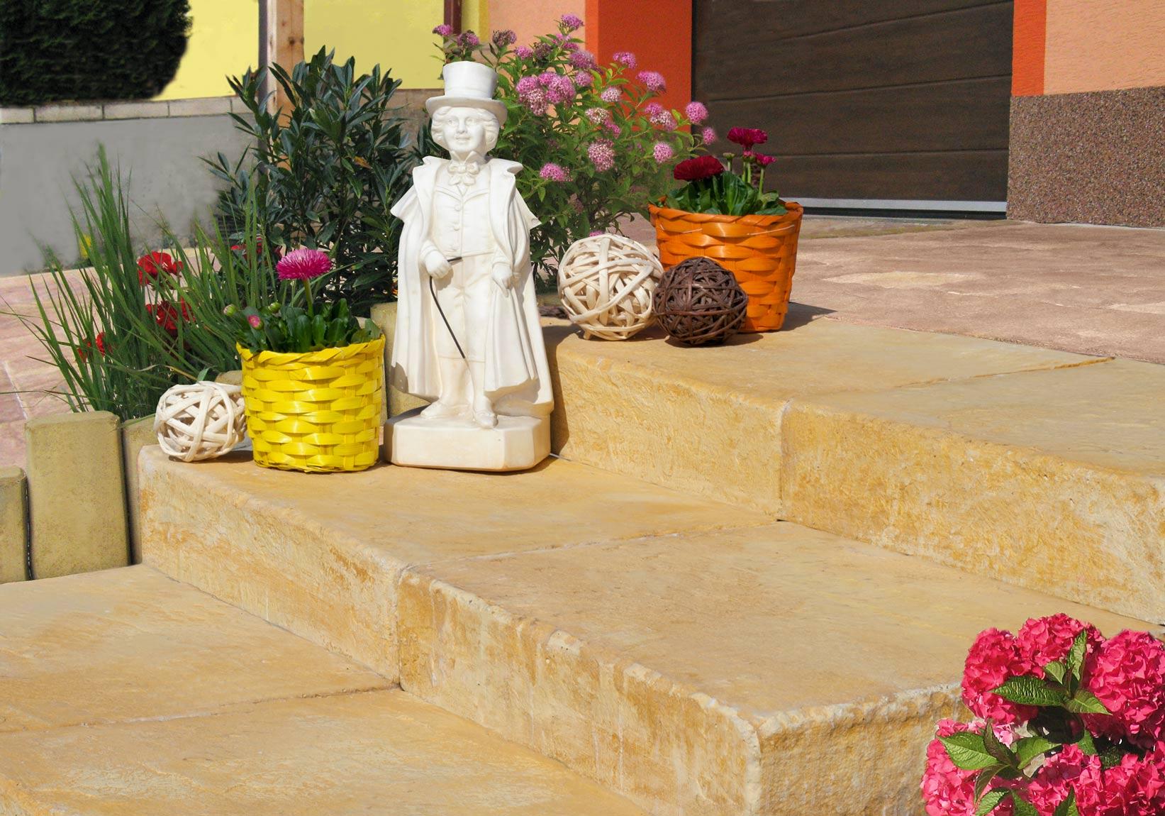 Kamenný program, schodišťové bloky, melír pískovec
