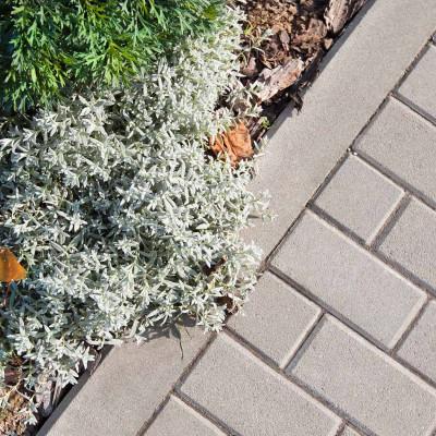 Obrubník chodníkový přírodní