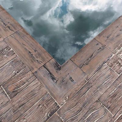 Dřevěný program - hrubý reliéf, bazénové lemy