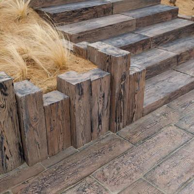 Dřevěný program - Palisády, schodištové stupně, dlažba jemný reliéf